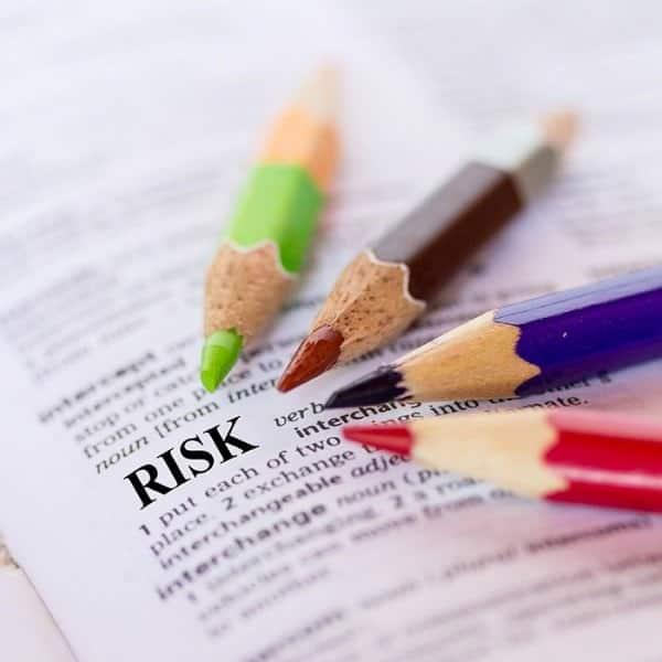 Valutno in obrestno tveganje v podjetjih