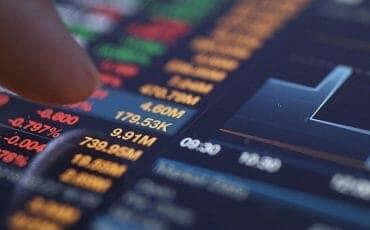 Finančni instrumenti in tveganja