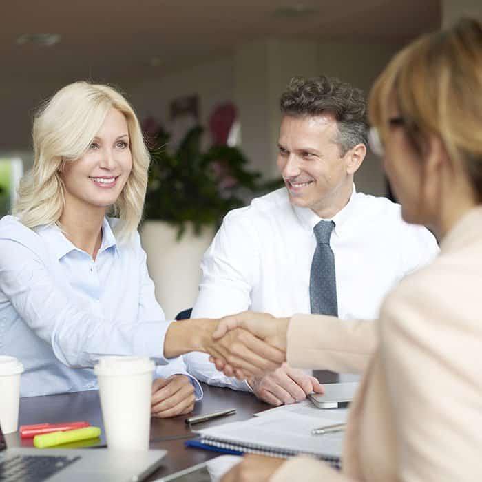 Izobraževanje oseb, ki dajejo strankam informacije o finančnih instrumentih, investicijskih storitvah in poslih